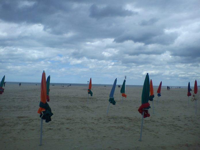 beach, deauville, parisian rivieria